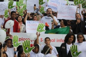 Christians-protest-against-child-sex-exploitation-outside-World-Cup-Stadium-in-Sao-Paulo-300x200