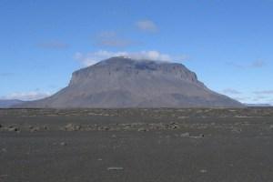 1024px-Herðubreið-Iceland-2-e1407435863104